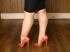 Shiney petticoat, heels nylons and leg play! tube porn video