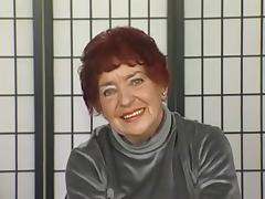 Hairy granny plays with her fat dildo tube porn video