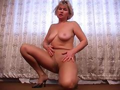 Milf in tights 2 tube porn video